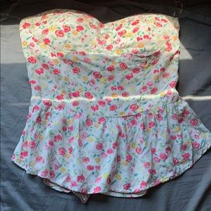Sleeveless flower top